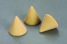 Đá nón vàng nhựa đánh bóng tinh