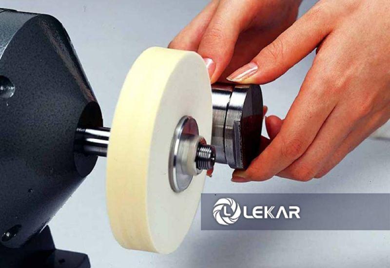 Cách đánh bóng inox hiệu quả ứng dụng trong ngành công nghiệp sản xuất