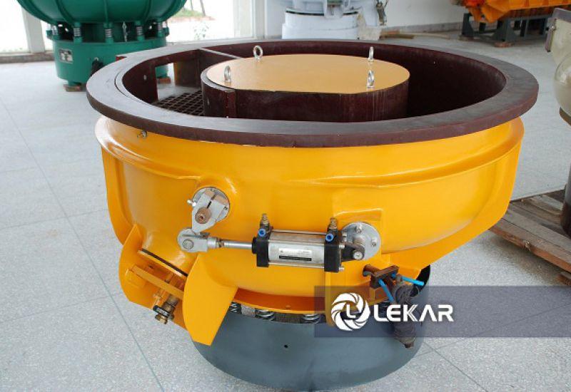 Tốt nhất bạn nên sử dụng các loại máy đánh bóng thép không gỉ trong khâu xử lý bề mặt kim loại. Nó sẽ giúp ích bạn rất nhiều!!!