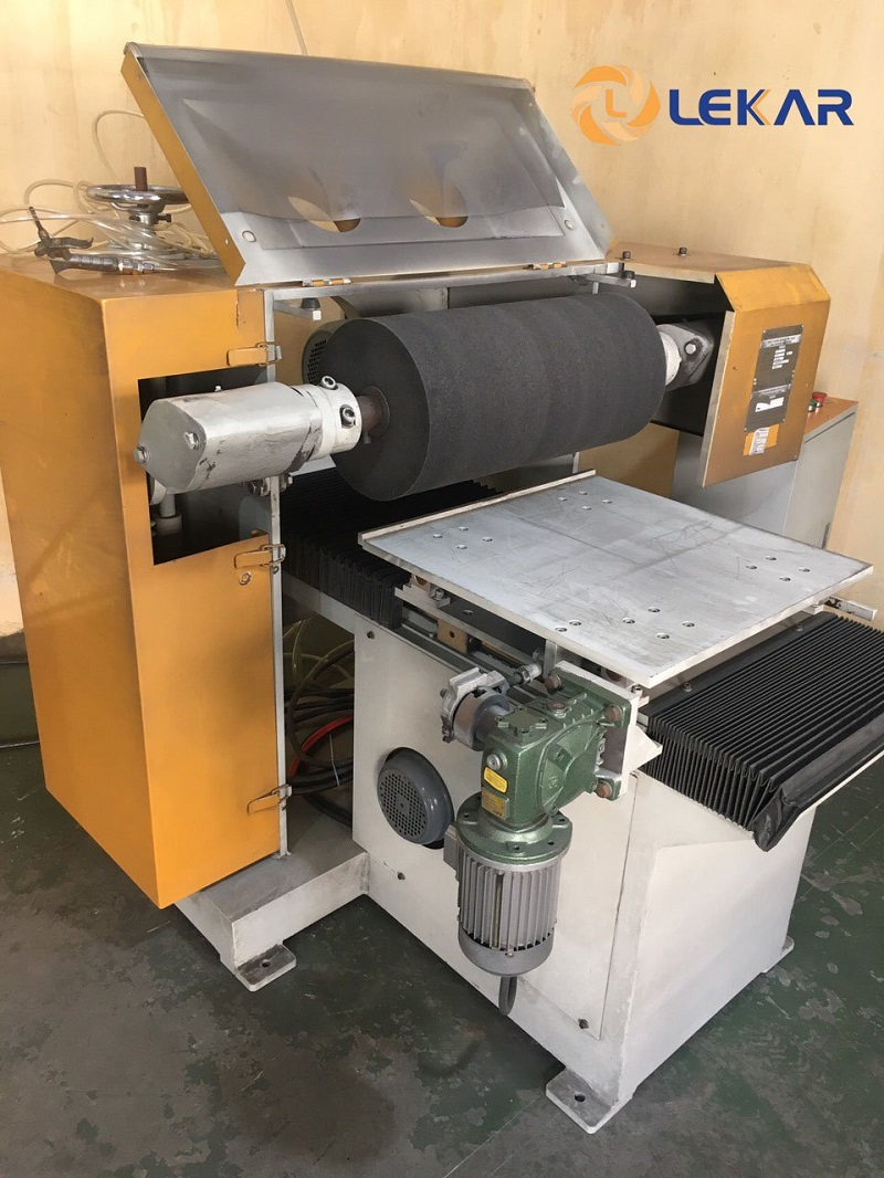 Ứng dụng của máy mài mặt phẳng trong xử lý bề mặt